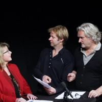 Theatermaker Laurens ten Den ontfutselt de directeuren een voorwoord. Foto Vicky Beerens